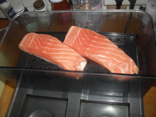 une tourte saumon/champignon/chevre frais, pas du tout légère mais tellement bonne