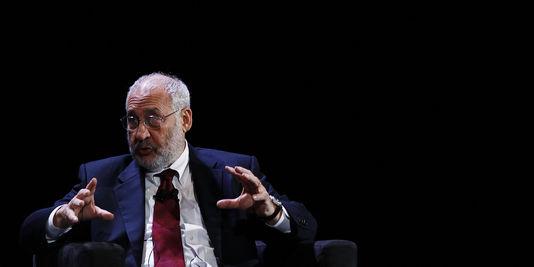 le prix Nobel d'économie Joseph Stiglitz publie, le 2 septembre, « La grande fracture », aux Éditions Les Liens qui Libèrent.