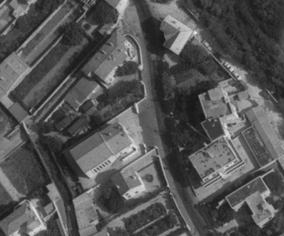 Marseilles, Traverse Tiboulen en 1968, temple et son enclos (remonterletemps.ign.fr)