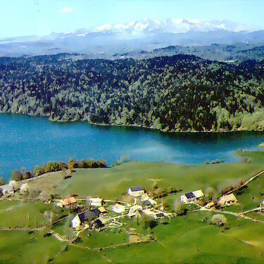 Lac de la Crégut-photo ancienne-vue aérienne