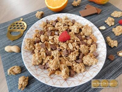 Granola crunchy peanut butter