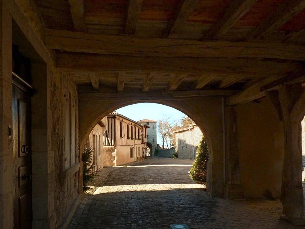 Montaut-les-creneaux-halle-10-12-2010.jpg