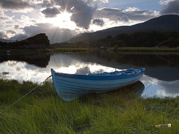 Upper-Lake-Killarney-National-Park-County-Kerry-Ireland-Wal