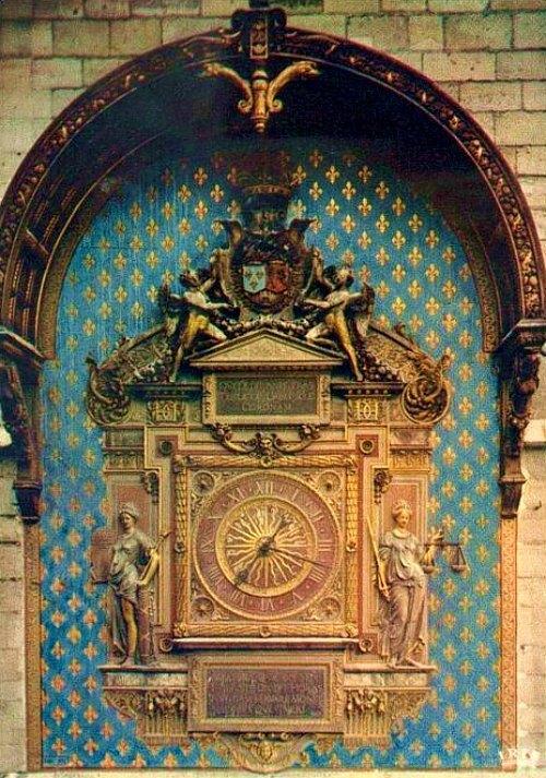 Horloge du palais de la Cité avant la restauration de 2012