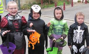 Halloween : 30 mignons « affreux », et des kilos de bonbons !