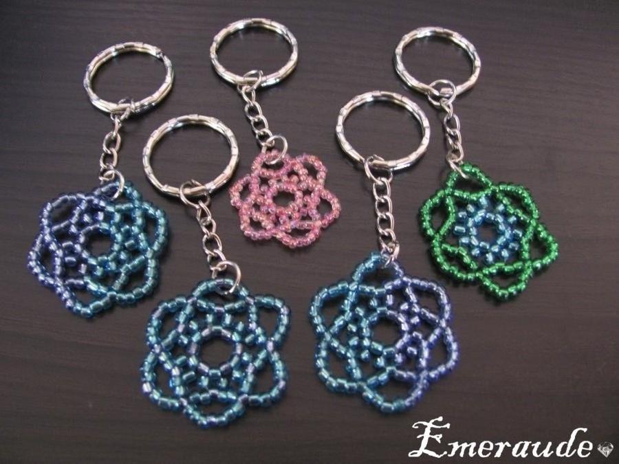 Perles: roses en porte-clés