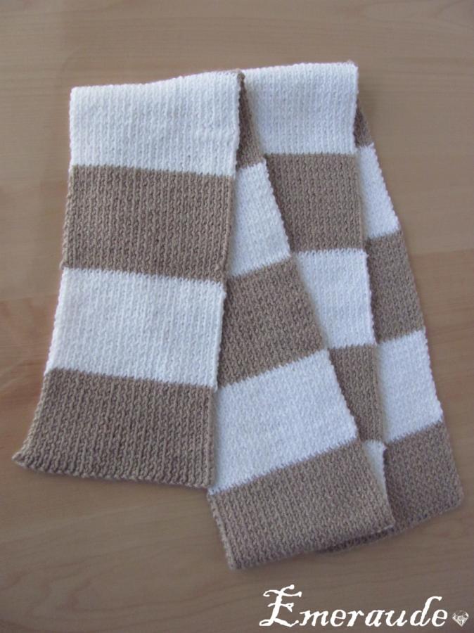 Tricot: écharpe rayée en côtes