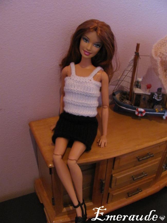 Tricot: Ensemble n°1 (jupe, top, gilet, écharpe) pour Barbie