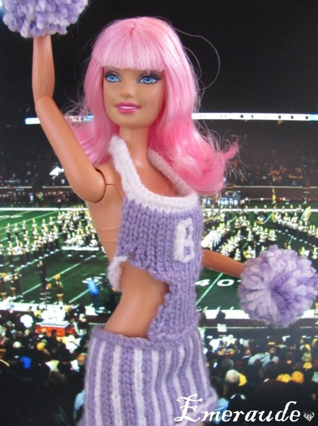 Tricot: Jupe n°1, ou robe de Pom-Pom Girl pour Barbie