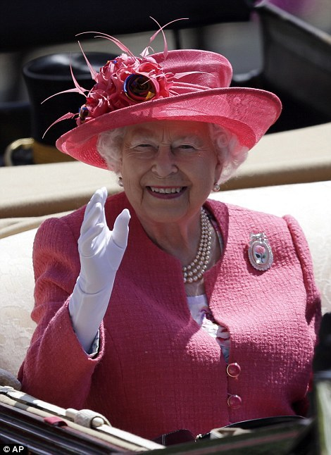 La reine à Ascot