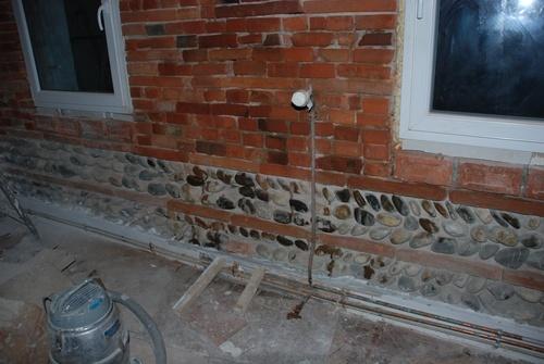 Fin de la préparation du mur de briques