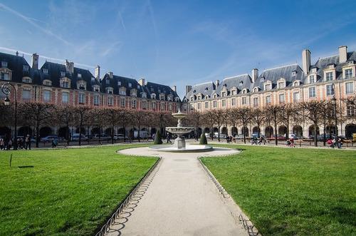 * Notre-Dame-des-Victoires de Paris