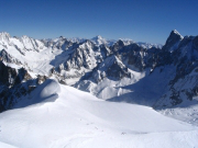 panorama-chamonix-mont-blanc-france-1252961313-1184365