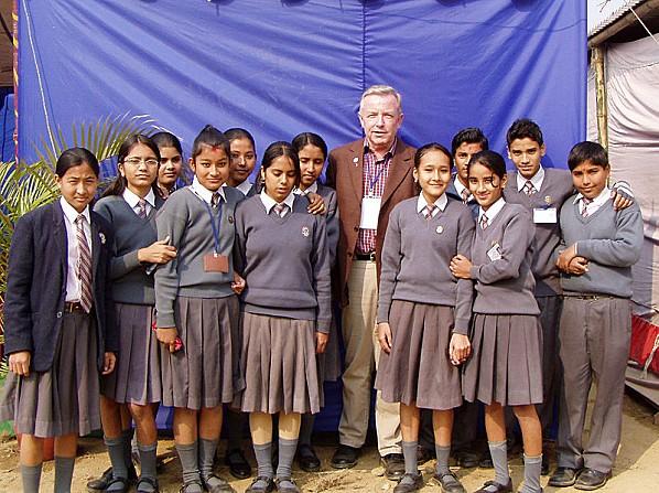 800px-Nepali-School-Uniform.jpg