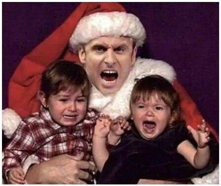 Macron pére Noël