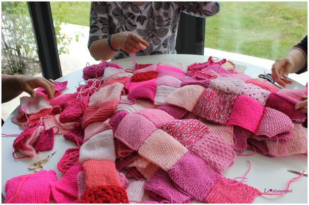 Atelier / Couture des carrés roses