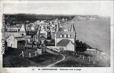 cartes-postales-photos-Panorama-vers-la-plage-ARROMANCHES-L
