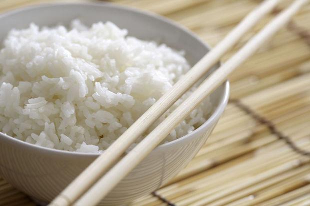 Une méthode simple de cuisson du riz pour réduire de moitié le nombre de calories