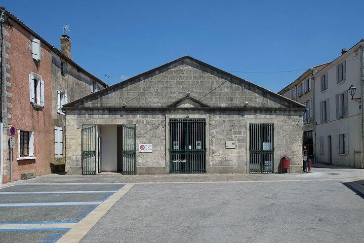 335 - Halle aux poissons - Marans.jpg
