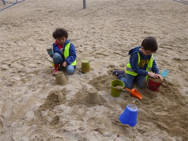 Les GS nettoient la plage du Moulin Blanc
