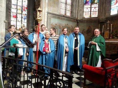 Remise du bâton de Saint Vorles et intronisations de nouveaux confrères dans la Confrérie Saint Vorles en juin 2012