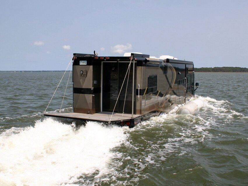 « Terra Wind » : le camping-car grand luxe amphibie  PiwAuHJBf5ZgFIQqUwUHIQEfC-k@850x638