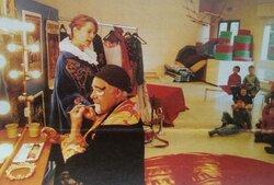 Cirque Bus itinérant dans les  écoles !  Année  : 2002      et Hommages à Jean-Paul et coucou Elodie