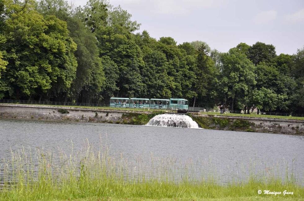Chutes d'eau à l'extrémité du Grand Canal