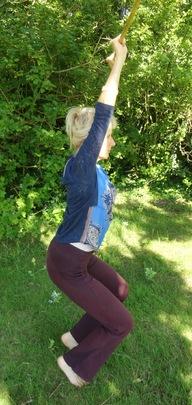 Exercices en plein air avec un bâton (dans l'esprit du yoga)