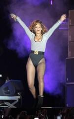 Rihanna performe à Sao Paulo