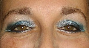 pot-a-crayons---maquillage-bleu---nail-automne-045.JPG