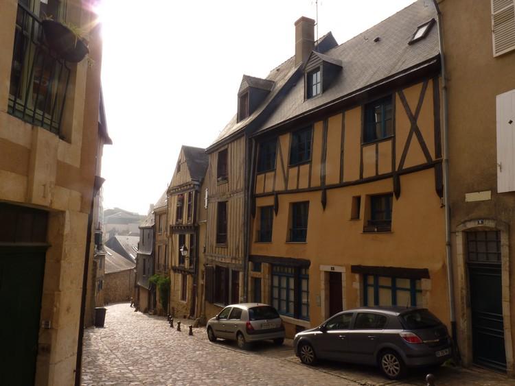 Rue de la Truite qui file