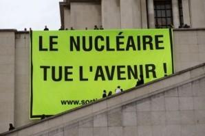 Le-nucleaire-tue-l-avenir--Paris-13-03-2011.jpg