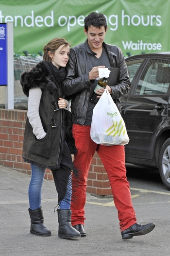 38495_emma_watson_outwithhernewmysterymanin_oxford