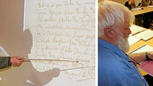 Ils apprennent à lire les écritures anciennes