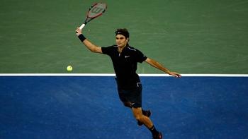 Federer accentue sa pression