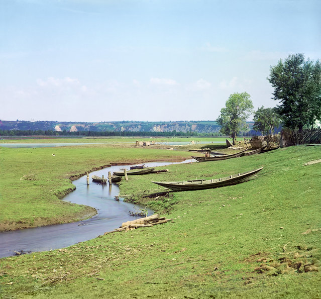Photos by Sergey Prokudin-Gorsky. Razsoshka River, flowing into the Chusovaia River at the village of Verkhnie Gorodki. Russia, Perm Province, Perm uyezd (district), Verkhnie Gorodki (submerged), 1912