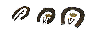 http://upload.wikimedia.org/wikipedia/commons/thumb/1/14/WWI_winter_horseshoe.JPG/300px-WWI_winter_horseshoe.JPG