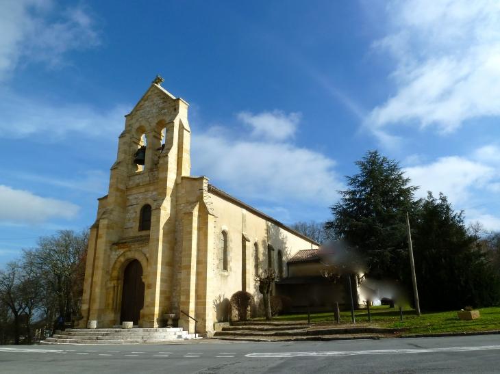 L'église Saint-Martin. Vendredi soir 11 juin 2010, l'église a résonné de paroles que l'on n'y entend jamais. Pierre Bellemare y a lu la Passion de Charles Péguy. - Monbazillac
