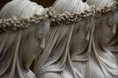 Les voiles de marbre