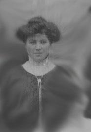 Lucie, grand-mère de Yolaine