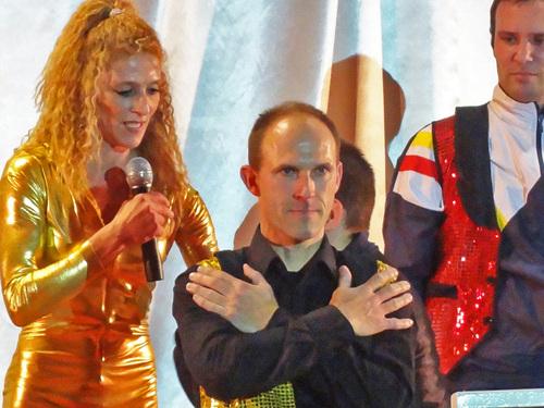 """""""Sandrine et ses tissus aériens"""" , un très beau spectacle donné aux Lauriers du Sport 2011..."""
