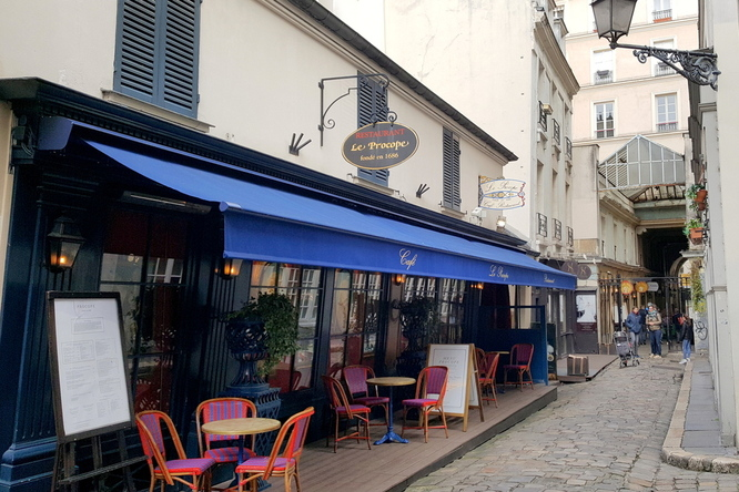 20 rues et monuments parisiens qui battent des records • La Marinière en  Voyage