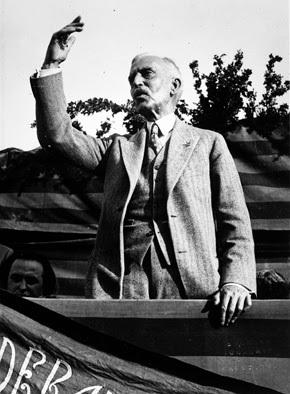 Francesc Macià, fondateur en 1922 du fonda le parti indépendantiste Catalan (Estat Català) (Vilanova i la Geltrú, 21 octobre 1859 ; Barcelone, 25 décembre 1933