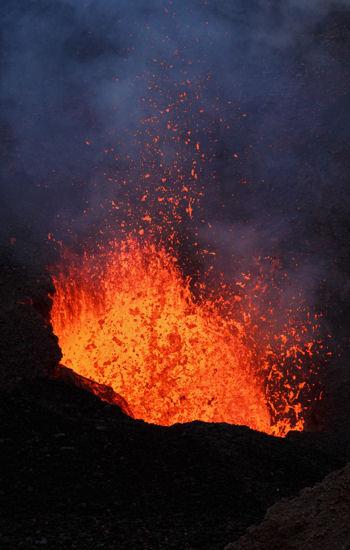 le volcanisme menace principalement l'outre-mer