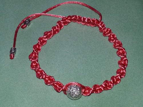 Bracelets fantaisie en tressage plat ou torsadé