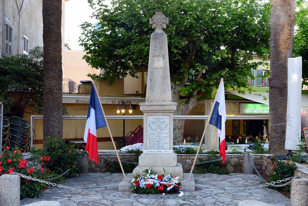 Algajola monument aux morts.jpg