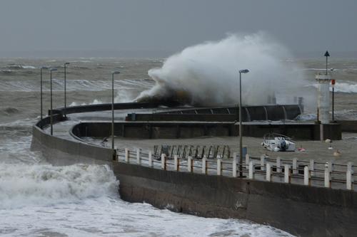 Le port de Comberge bravant la tempête hier après-midi.