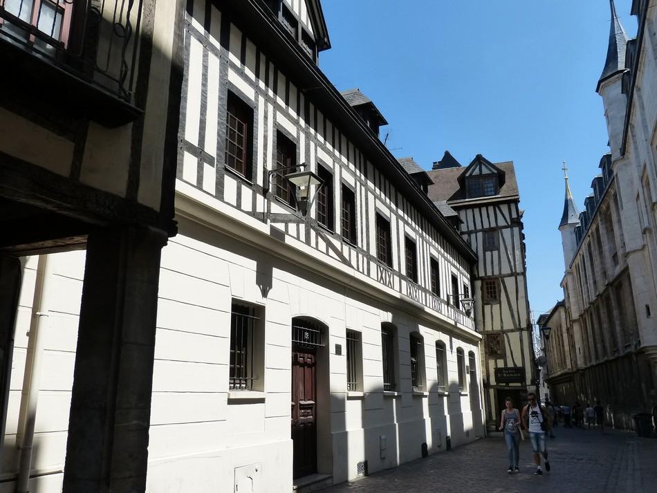 Vers l'église St-Maclou à Rouen