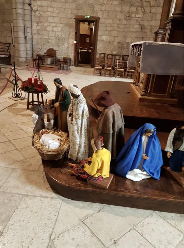 La crèche de 2017 dans la basilique Saint Sauveur